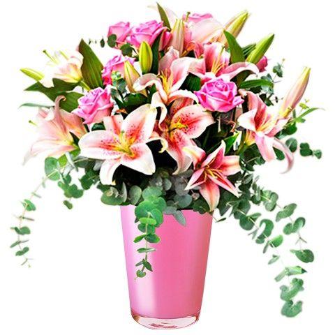 regalo romantico de rosas y lirios